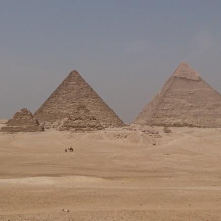 Die Pyramiden von Gizeh nahe Kairo in Ägypten.